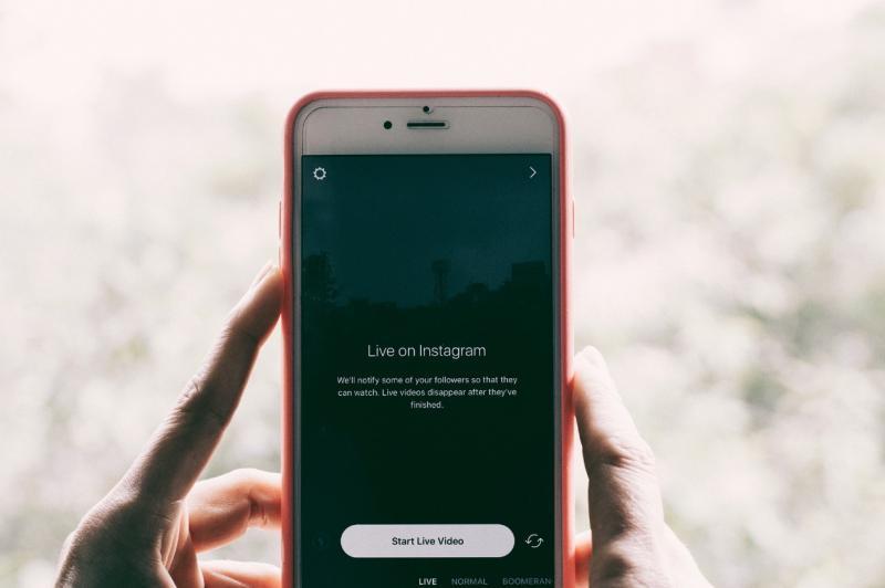 Les lives Instagram et Facebook sont utiles pour votre restaurant ! Social Kitchen vous explique tout.
